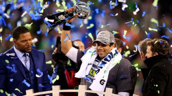 nfl_seahawks15_wilson_celebration_608x342