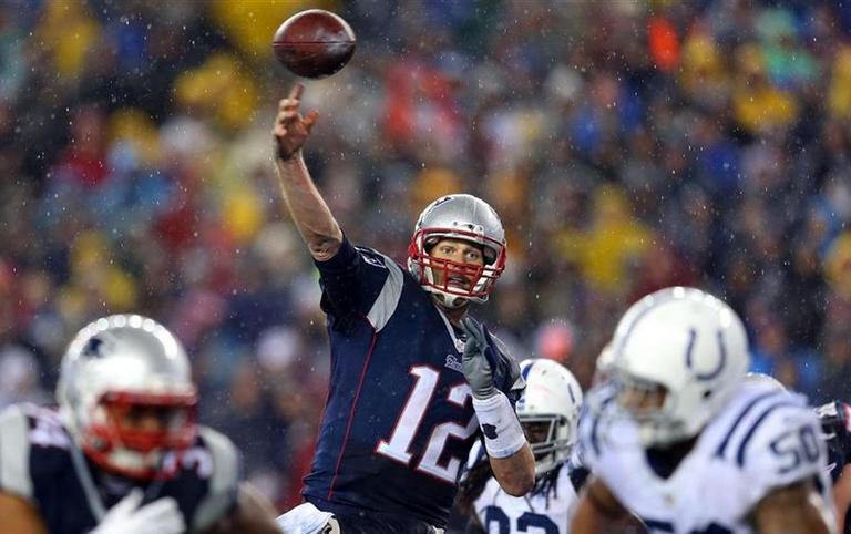 Brady suspenso por 4 jogos e Patriots multado em  1 milhão de dólares ba13c3b38b855