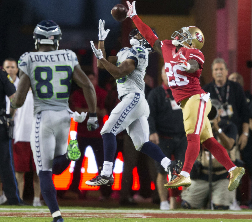 Seahawks wide receiver Tyler Lockett catches 43-yard pass from Seahawks quarterback Russell Wilson for a touchdown in the second quarter at Levi's Stadium, in Santa Clara, Calif., Thursday, Oct. 22, 2015. (Dean Rutz / The Seattle Times)